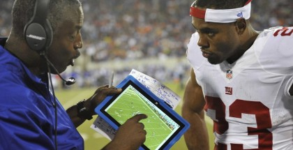 nfl-coach-uses-microsoft-surface-pro-3-tablet